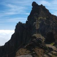 Już niedaleko Pico Arieiro z charakterystyczną kopułą.
