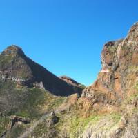 Trasa wiedzie pomiędzy szczytami o wysokościach rzędu 1600 n.p.m.