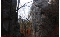 Grupa skalna Javor, na zachód od Dlha Polana