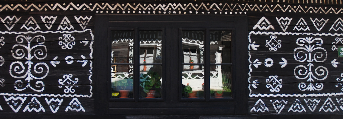 Čičmany, malowana wioska o poranku.