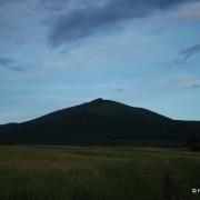Sylwetka Sninskiego Kamenia, prawie najwyższej góry Wihorlatu.