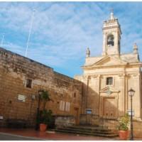 Gdzieś w plątaninie wąskich, dziurawych uliczek Gozo.