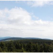 Widok na południe. Panorama ze szczytu Koruna (1099 m.n.p.m)