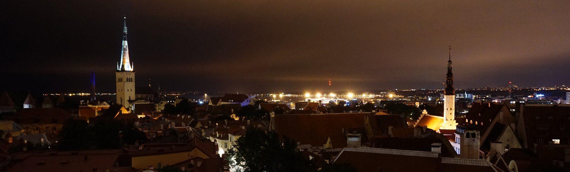 Tallin w środku nocy