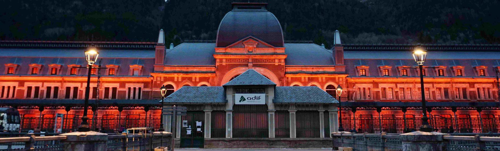 "Canfranc Estación – na cichej ""małej"" stacyjce w Pirenejach"