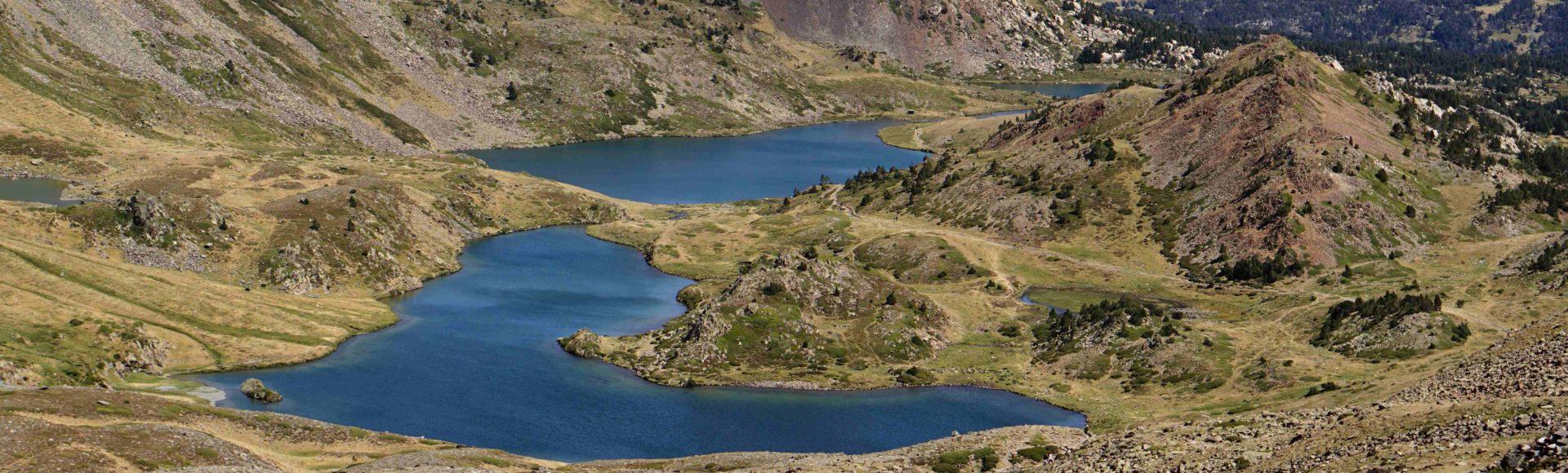 Pic Carlit 2921m.n.p.m w otoczeniu ślicznych Lacs du Carlit.